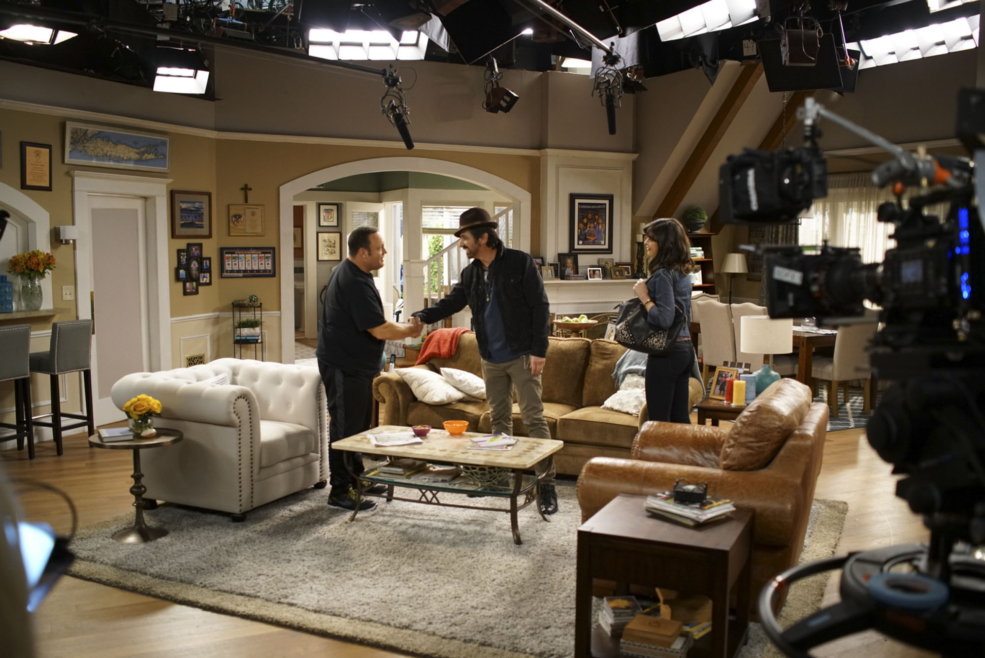 Kevin Can Wait 105 with Ray Romano on KEVIN CAN WAIT, Monday, xx(8:31-9:01 PM, ET/PT) on the CBS Television Network. Credit: Michael Parmelee/CBS ©2016 CBS Broadcasting, Inc. All Rights Reserved